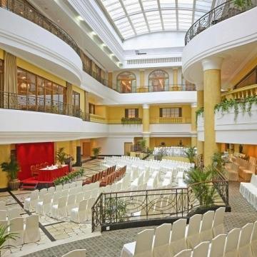 中庭宴会厅2
