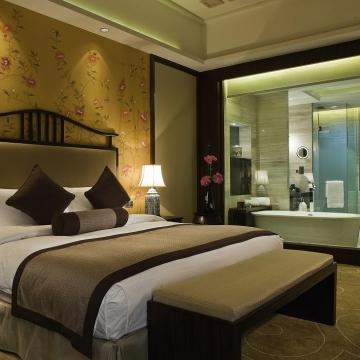 豪华客房,中式风情,均附带独立阳台。