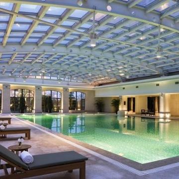 室内恒温游泳池