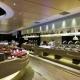 Vie全天候餐厅提供现场厨艺表演以及各种海鲜和国际美食